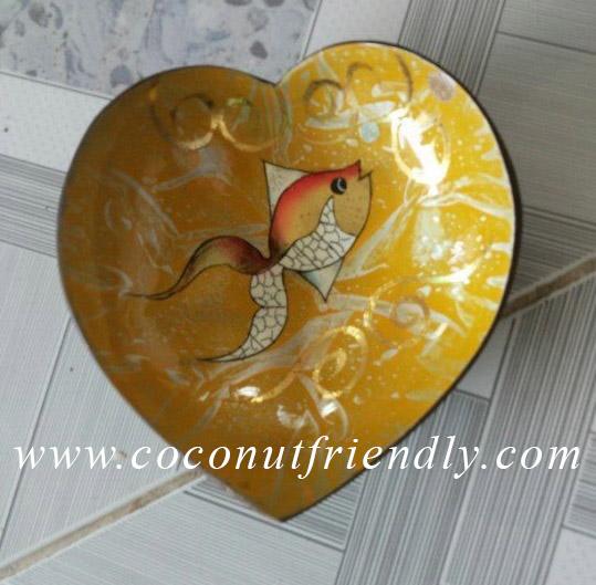 Heartshape handpainted lacquer coconut bowls Wholesale vietnam