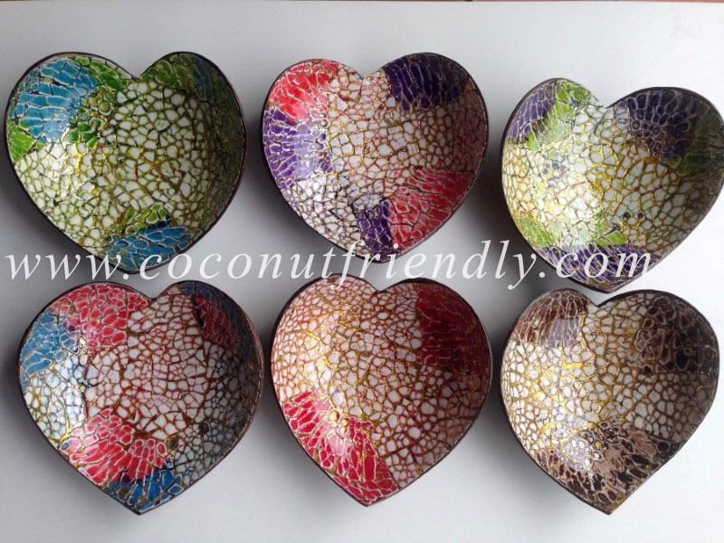 Vietnam Heart Coconut Bowls with Eggshells inlaid Wholesale