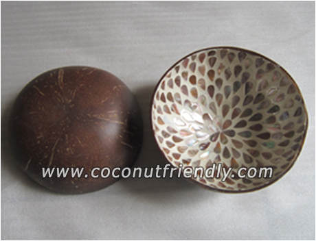 VIETNAM COCONUT BOWL WITH LACQUER AND PAINT