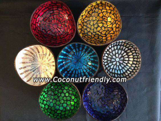 Vietnam lacquered coconut bowl with eggshell inlaid